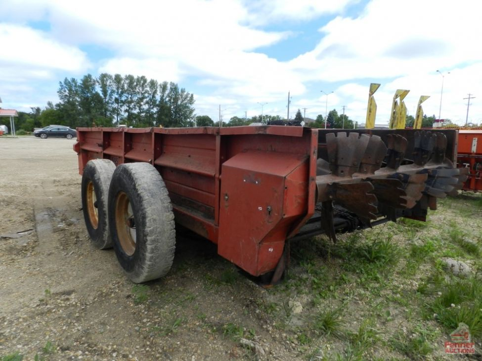 Case Ih 595 Manure Spreader Penner Auctions Used Heavy