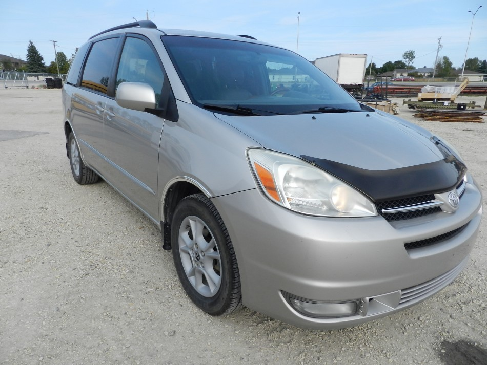 2004 toyota sienna xle limited awd penner auctions used heavy farm equipment for sale. Black Bedroom Furniture Sets. Home Design Ideas