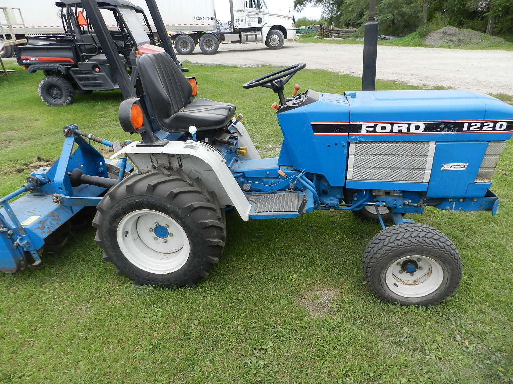 Ford 1220 Compact Utility Tractor 3pth 16hp Diesel 1