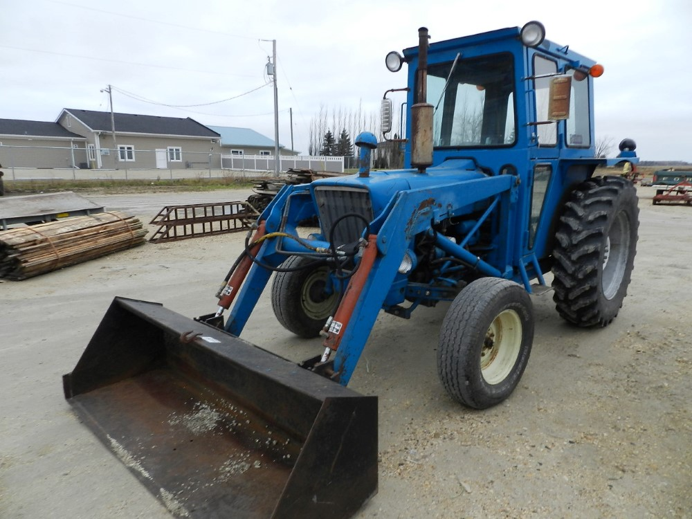 Ford 3600 Tractor : Ford tractor pth cab loader penner auction