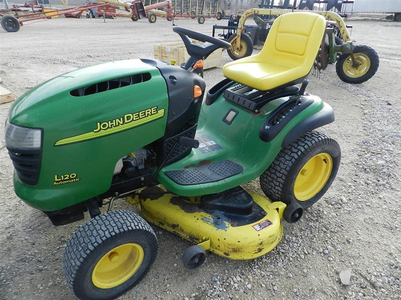 John Deere L120 Automatic Lawn Tractor | Penner Auction Sales Ltd.